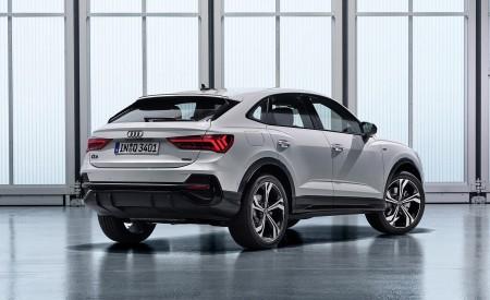 2020 Audi Q3 Sportback S line (Color: Dew Silver) Rear Three-Quarter Wallpapers 450x275 (147)