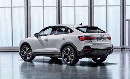 2020 Audi Q3 Sportback S line (Color: Dew Silver) Rear Three-Quarter Wallpapers 450x275 (148)