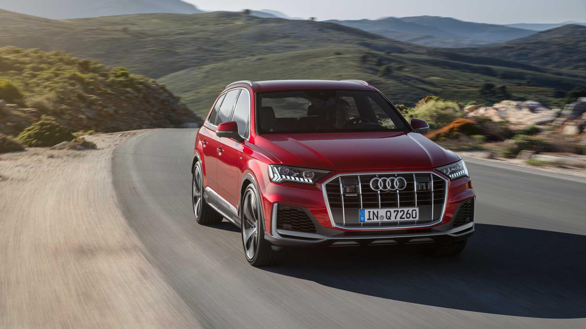 2020 Audi Q7 (Color: Matador Red) Front Wallpapers (1)