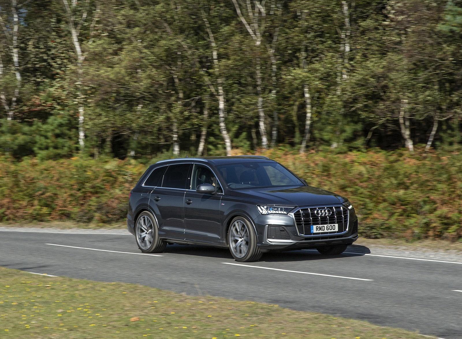 2020 Audi Q7 (UK-Spec) Front Three-Quarter Wallpapers (3)