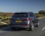 2020 Audi Q7 (UK-Spec) Rear Wallpapers 150x120 (12)