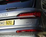 2020 Audi Q7 (UK-Spec) Tail Light Wallpapers 150x120 (34)