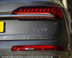 2020 Audi Q7 (UK-Spec) Tail Light Wallpapers 150x120 (33)