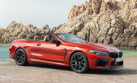 2020 BMW M8 Competition Convertible Front Three-Quarter Wallpapers 450x275 (12)