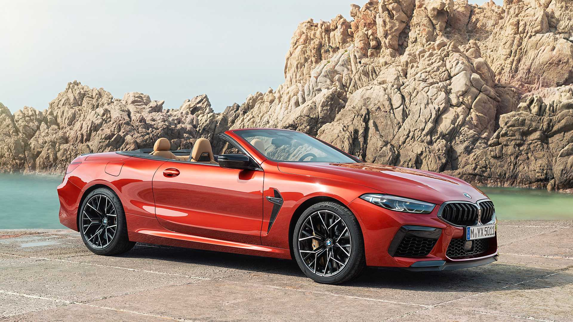 2020 BMW M8 Competition Convertible Front Three-Quarter Wallpapers (12)