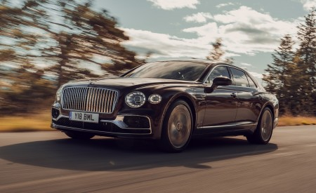 2020 Bentley Flying Spur (Color: Cricket Ball) Front Three-Quarter Wallpapers 450x275 (108)