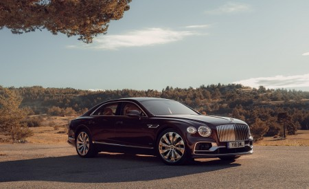 2020 Bentley Flying Spur (Color: Cricket Ball) Front Three-Quarter Wallpapers 450x275 (117)