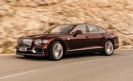 2020 Bentley Flying Spur (Color: Cricket Ball) Front Three-Quarter Wallpapers 450x275 (111)