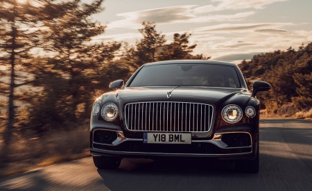 2020 Bentley Flying Spur (Color: Cricket Ball) Front Wallpapers 450x275 (112)