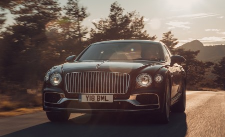 2020 Bentley Flying Spur (Color: Cricket Ball) Front Wallpapers 450x275 (113)