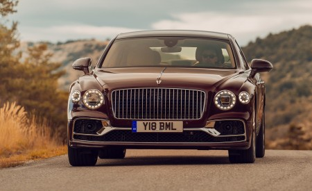 2020 Bentley Flying Spur (Color: Cricket Ball) Front Wallpapers 450x275 (118)