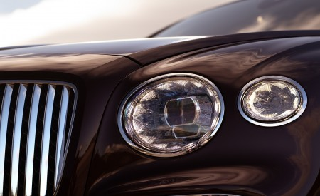 2020 Bentley Flying Spur (Color: Cricket Ball) Headlight Wallpapers 450x275 (121)