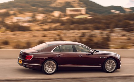 2020 Bentley Flying Spur (Color: Cricket Ball) Side Wallpapers 450x275 (119)