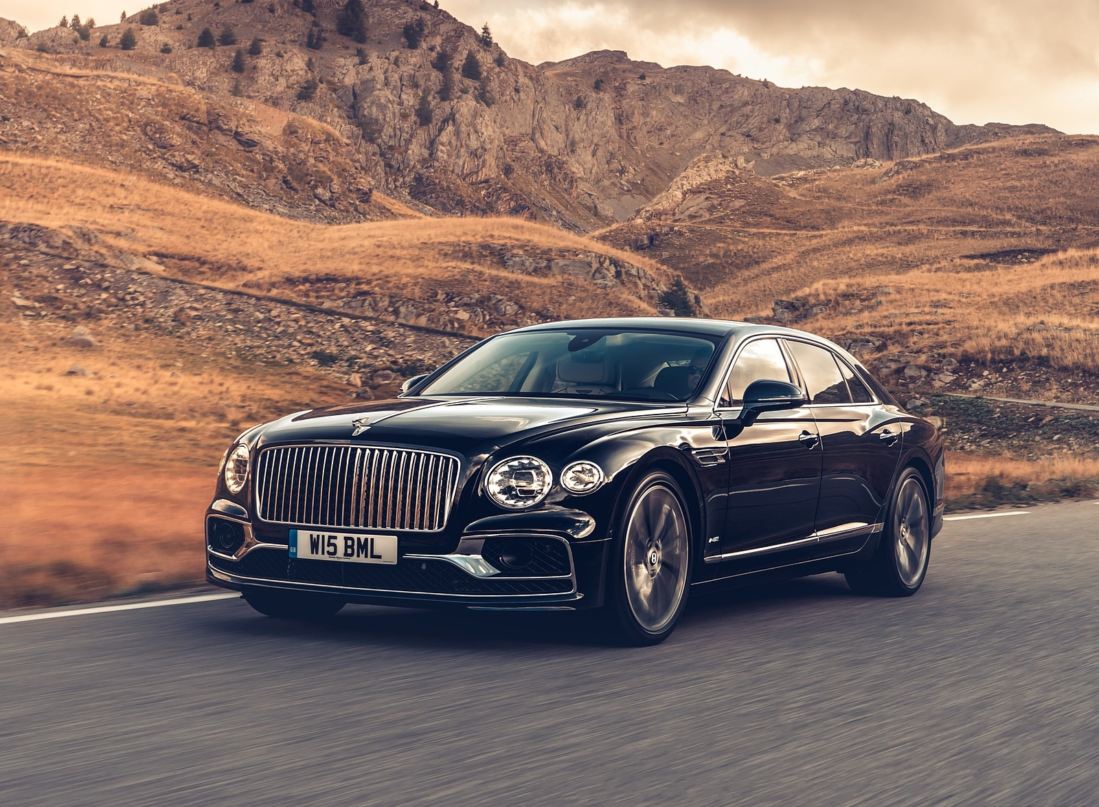 2020 Bentley Flying Spur (Color: Dark Sapphire) Front Three-Quarter Wallpapers (5)