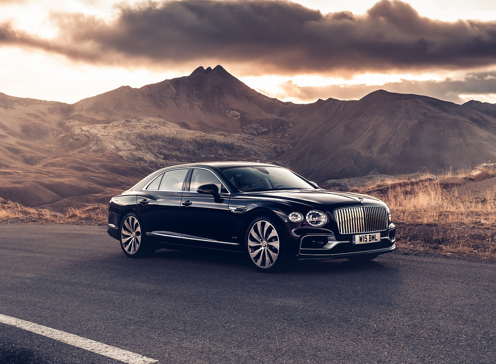 2020 Bentley Flying Spur (Color: Dark Sapphire) Front Three-Quarter Wallpapers (9)