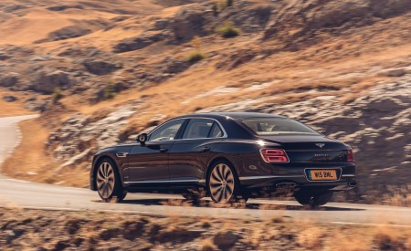 2020 Bentley Flying Spur (Color: Dark Sapphire) Rear Three-Quarter Wallpapers 450x275 (7)