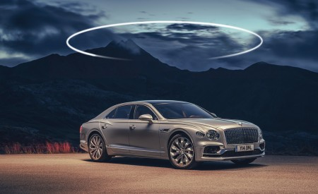 2020 Bentley Flying Spur (Color: Extreme Silver) Front Three-Quarter Wallpapers 450x275 (66)