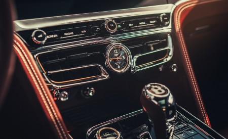 2020 Bentley Flying Spur (Color: Extreme Silver) Interior Detail Wallpapers 450x275 (74)
