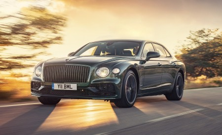 2020 Bentley Flying Spur (Color: Verdant) Front Three-Quarter Wallpapers 450x275 (27)