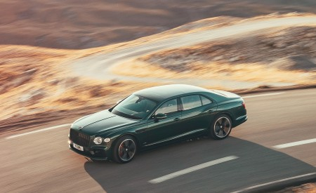 2020 Bentley Flying Spur (Color: Verdant) Front Three-Quarter Wallpapers 450x275 (28)