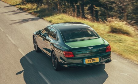 2020 Bentley Flying Spur (Color: Verdant) Rear Three-Quarter Wallpapers 450x275 (30)