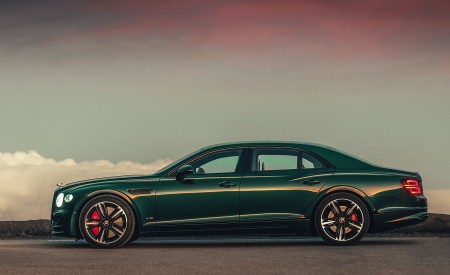 2020 Bentley Flying Spur (Color: Verdant) Side Wallpapers 450x275 (34)