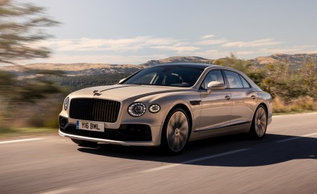 2020 Bentley Flying Spur (Color: White Sand) Front Three-Quarter Wallpapers 450x275 (83)