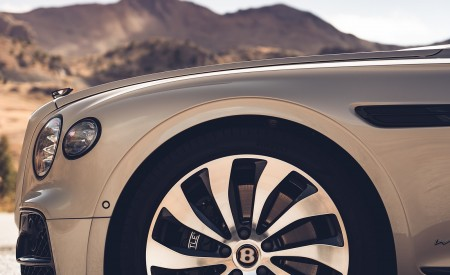 2020 Bentley Flying Spur (Color: White Sand) Wheel Wallpapers 450x275 (97)