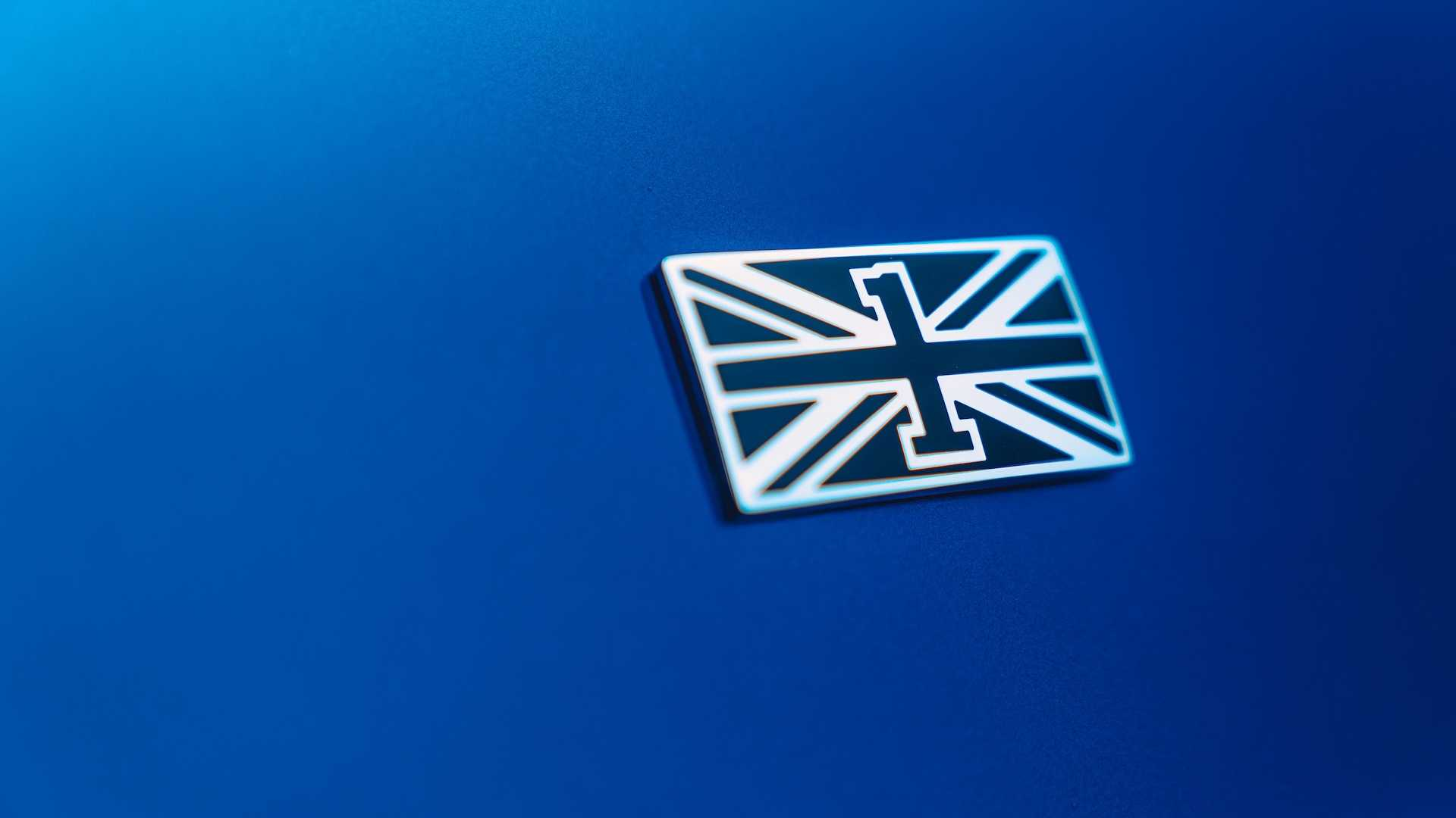 2020 Bentley Flying Spur First Edition Badge Wallpapers (8)