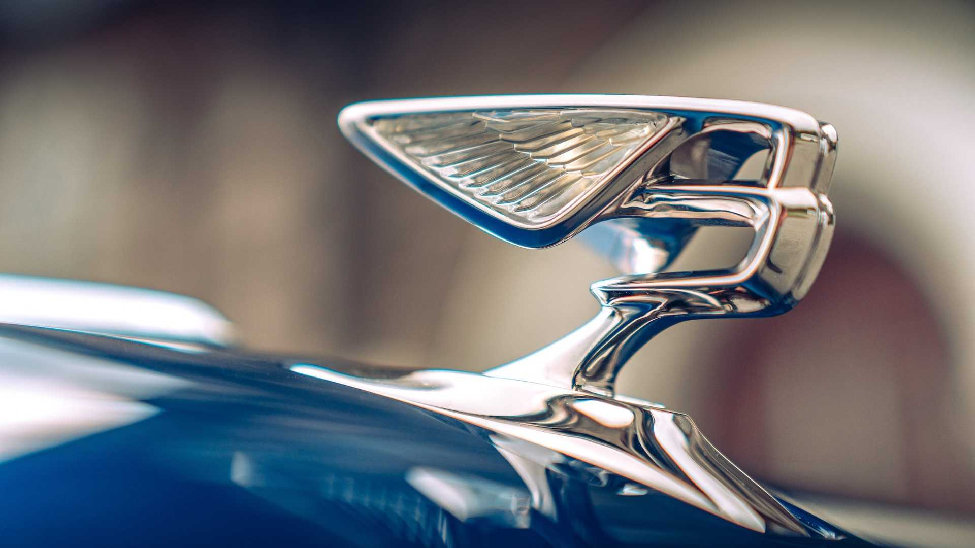 2020 Bentley Flying Spur First Edition Hood Ornament Wallpapers (7)