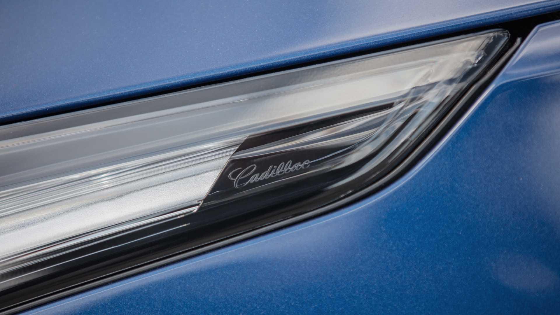 2020 Cadillac CT4-V Badge Wallpapers (9)