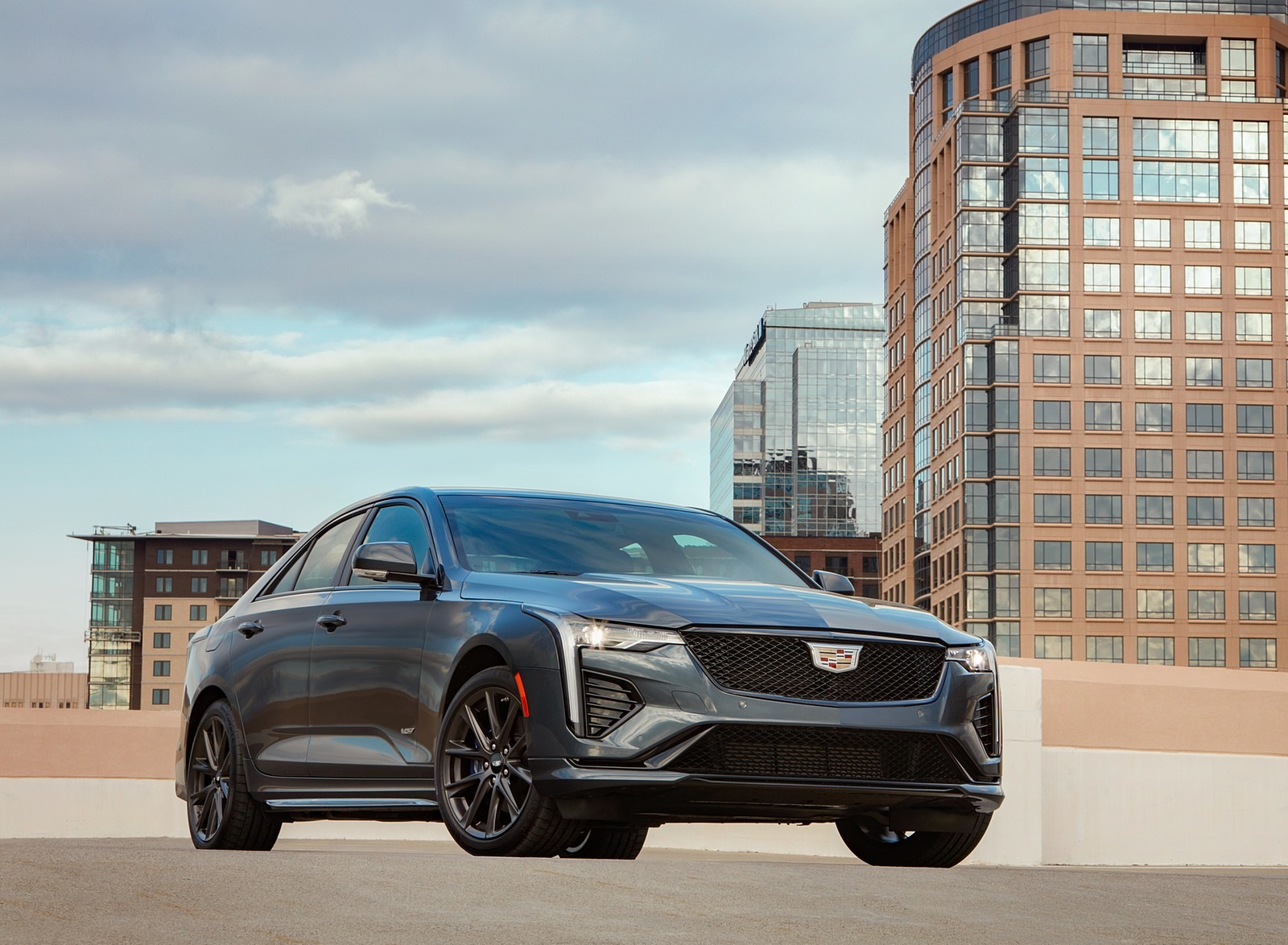 2020 Cadillac CT4-V Front Three-Quarter Wallpapers (5)