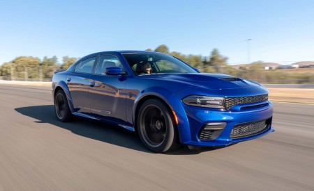 2020 Dodge Charger SRT Hellcat Widebody (Color: IndiGo Blue) Front Three-Quarter Wallpapers 450x275 (27)