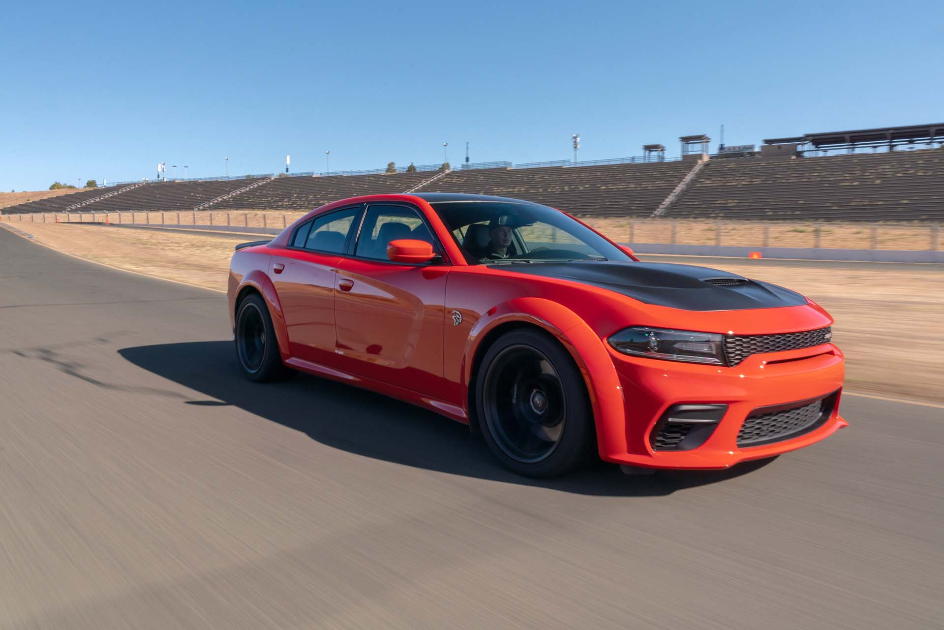 2020 Dodge Charger SRT Hellcat Widebody (Color: TorRed) Front Three-Quarter Wallpapers (2)