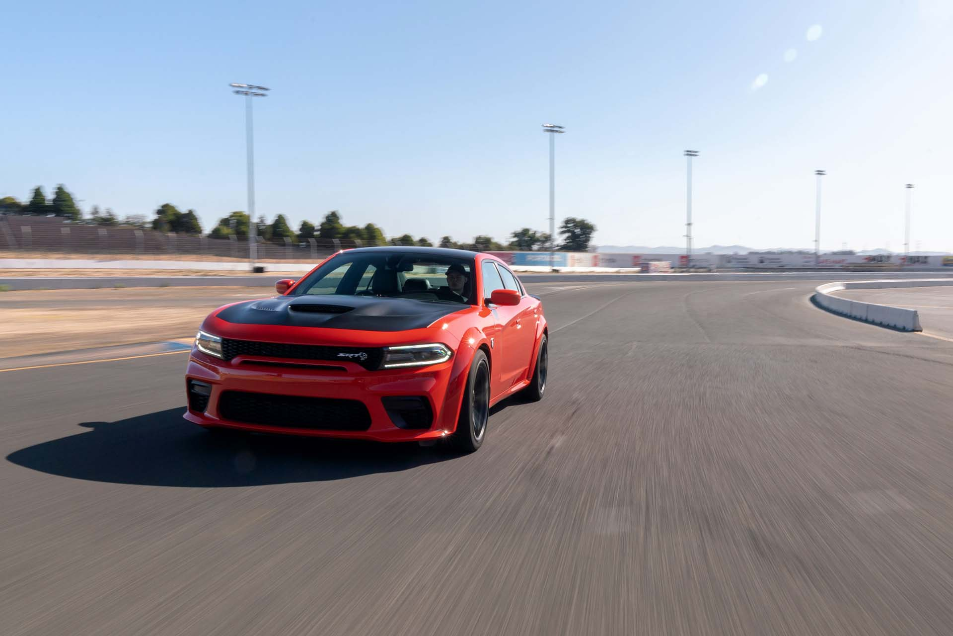 2020 Dodge Charger SRT Hellcat Widebody (Color: TorRed) Front Three-Quarter Wallpapers (3)