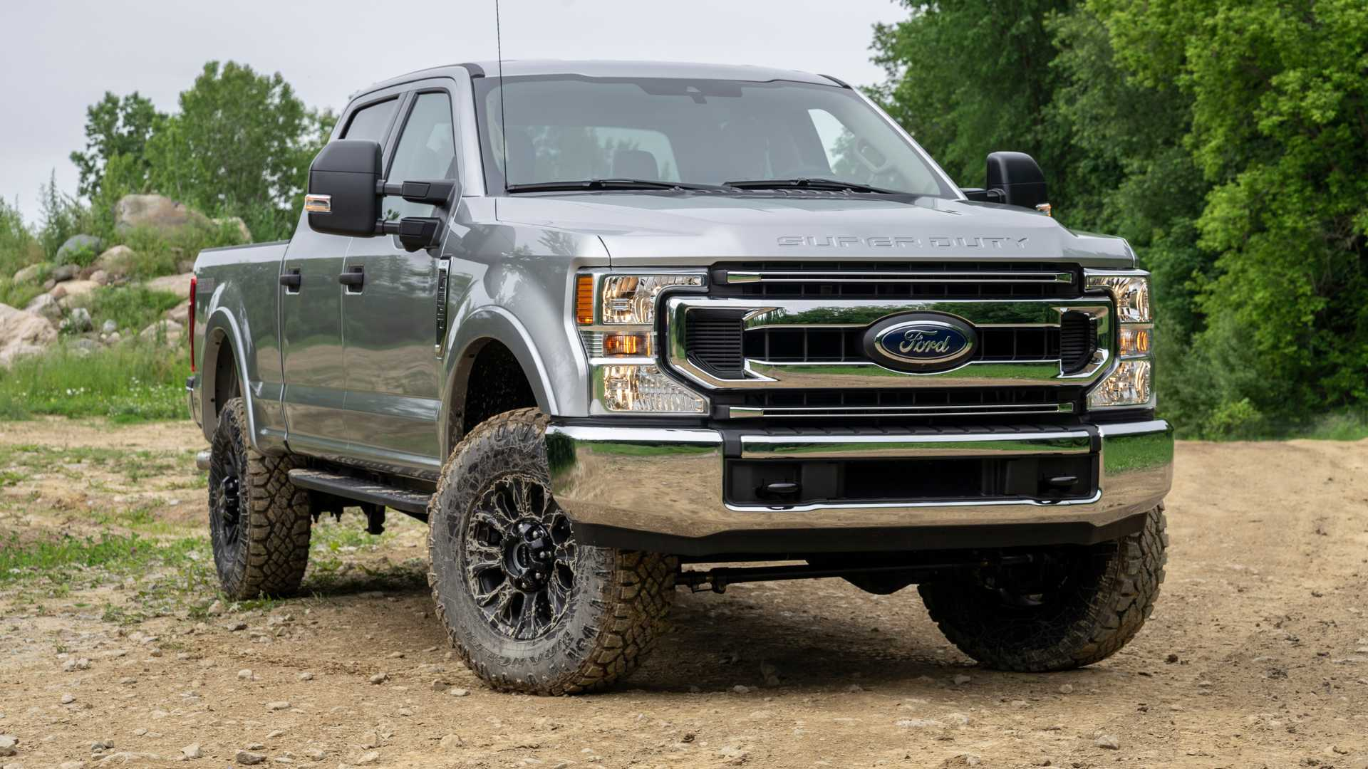 2020 Ford F-Series Super Duty with Tremor Off-Road Package Front Three-Quarter Wallpapers (11)