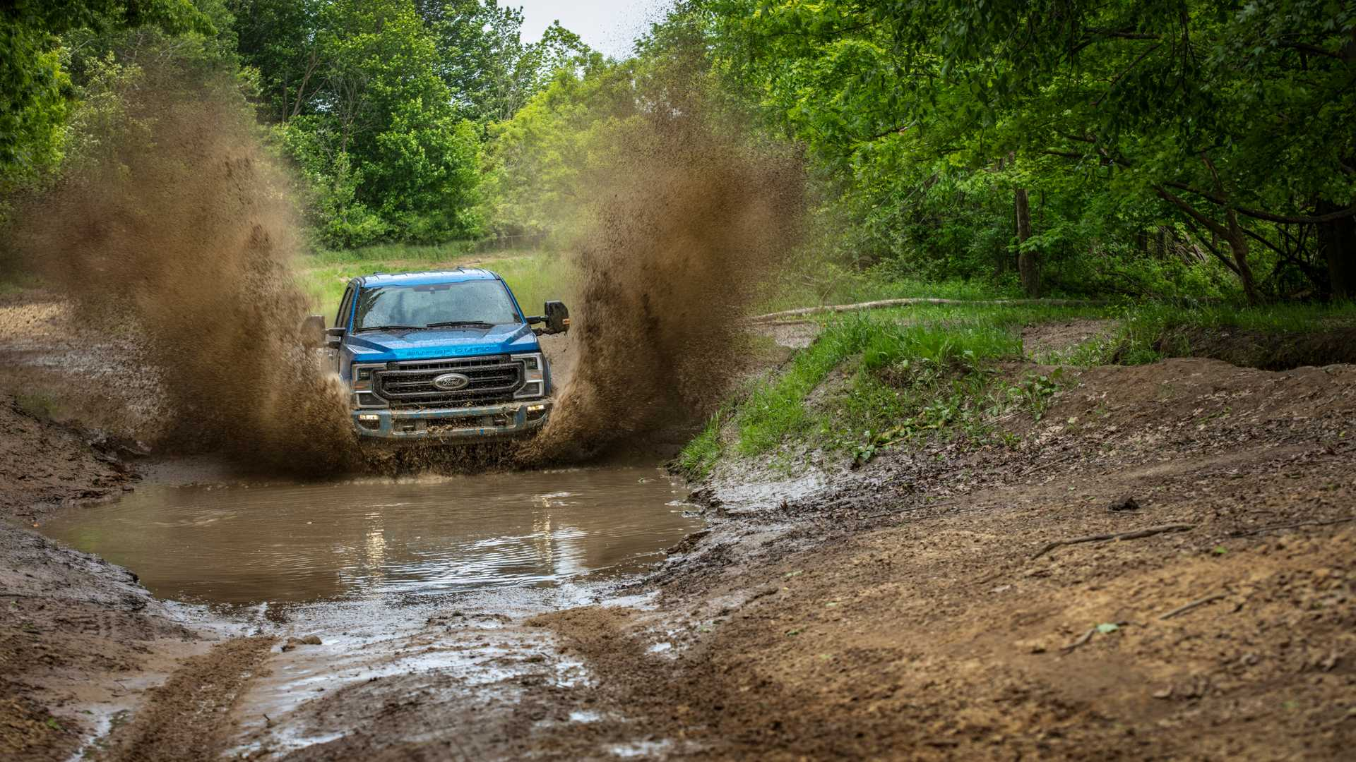 2020 Ford F-Series Super Duty with Tremor Off-Road Package Off-Road Wallpapers (10)