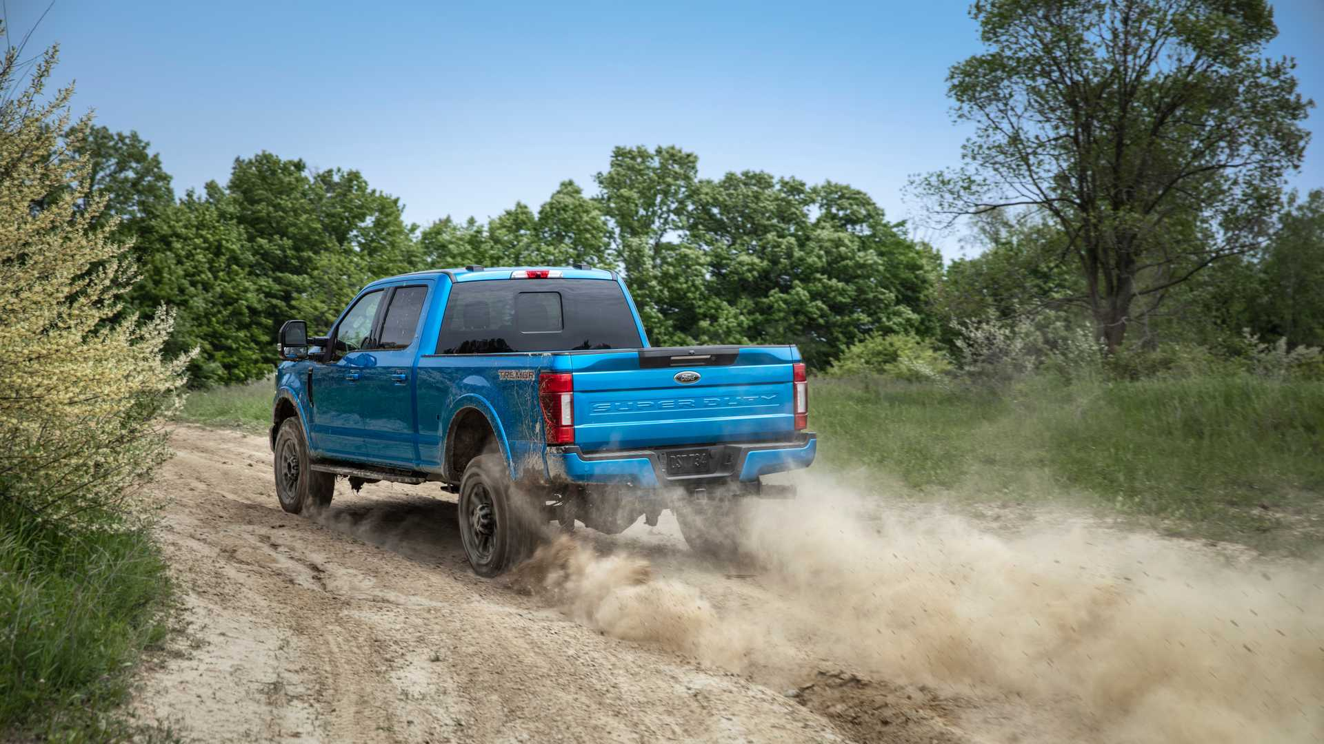 2020 Ford F-Series Super Duty with Tremor Off-Road Package Off-Road Wallpapers (7)