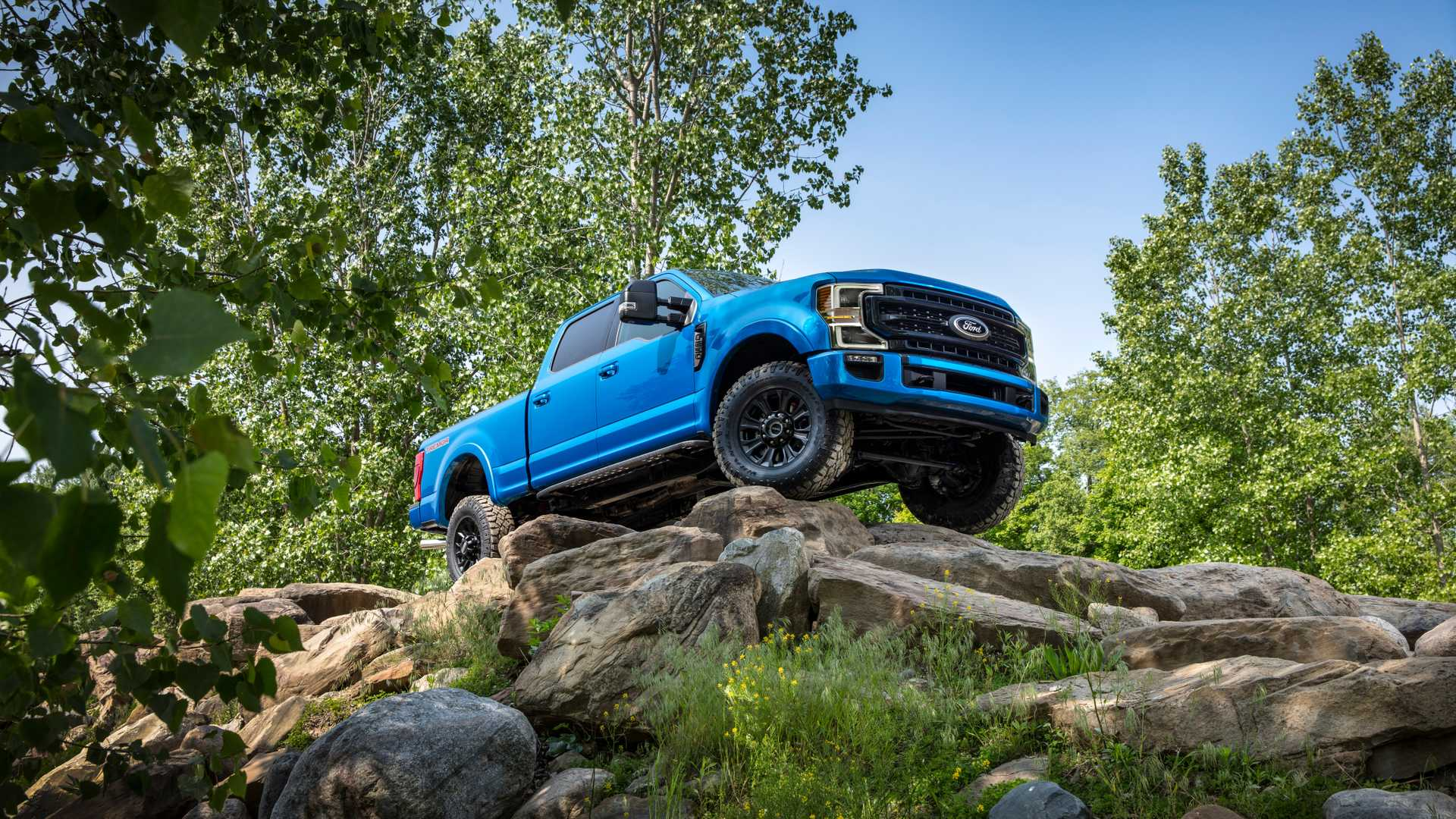 2020 Ford F-Series Super Duty with Tremor Off-Road Package Off-Road Wallpapers (6)