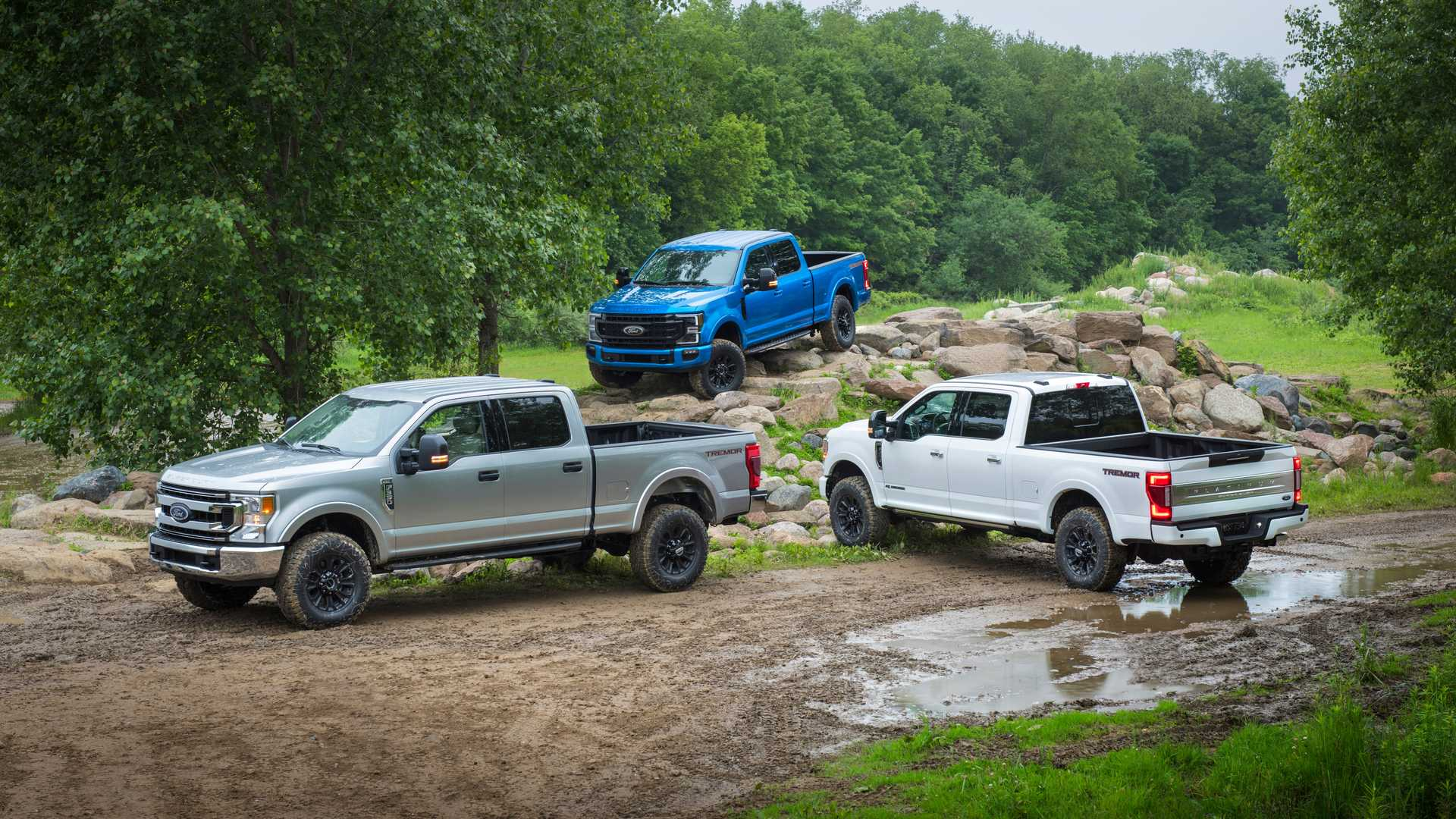 2020 Ford F-Series Super Duty with Tremor Off-Road Package Off-Road Wallpapers (13)