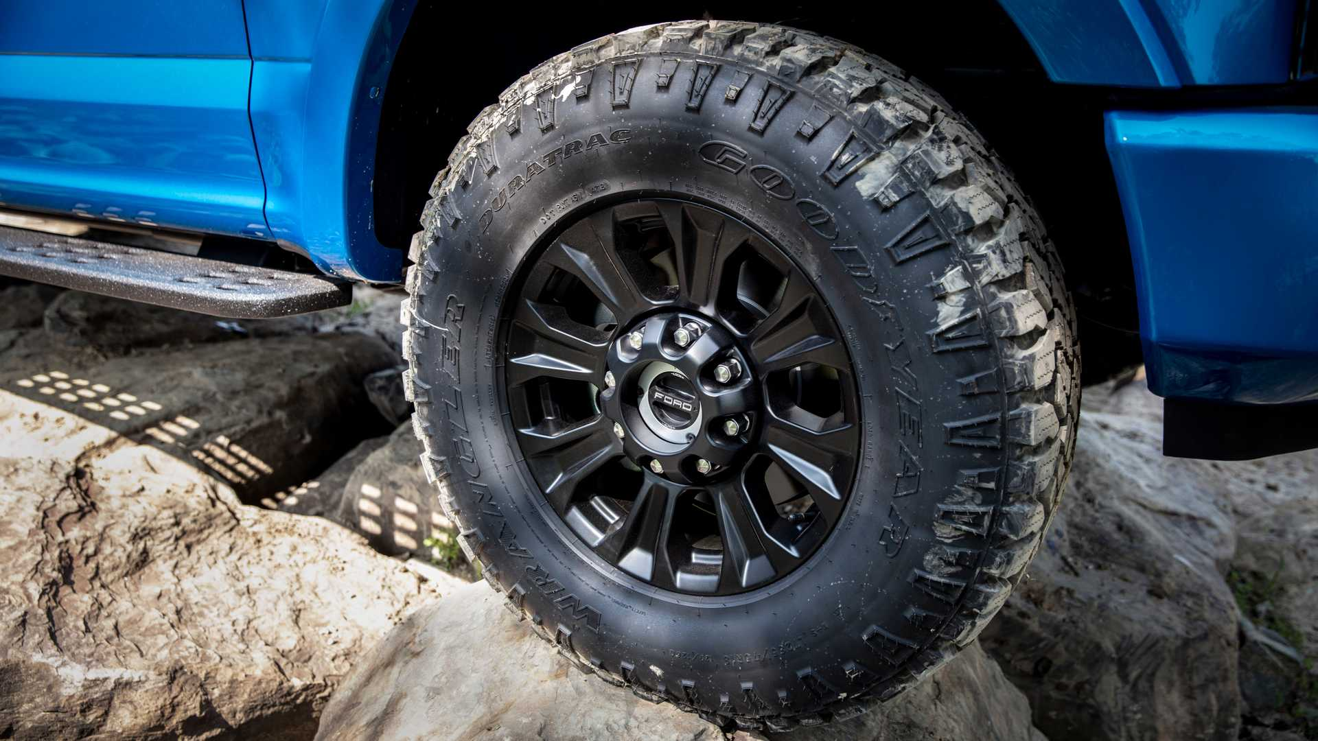 2020 Ford F-Series Super Duty with Tremor Off-Road Package Wheel Wallpapers (15)