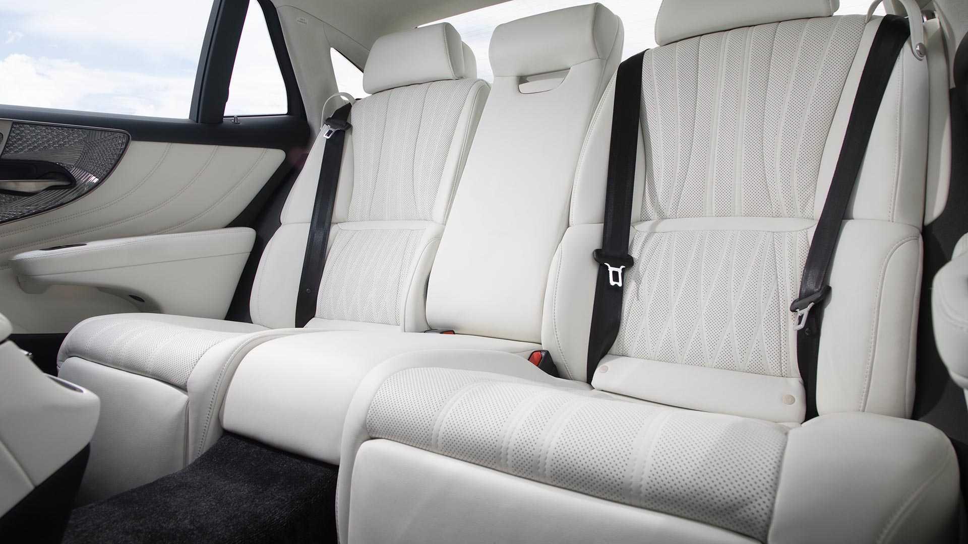 2020 Lexus LS 500 Inspiration Series Interior Rear Seats Wallpapers (10)