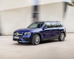 2020 Mercedes-Benz GLB 250 AMG Line (Color: Galaxy Blue) Front Three-Quarter Wallpapers 150x120 (22)