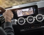2020 Mercedes-Benz GLB Central Console Wallpapers 150x120 (15)
