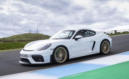 2020 Porsche 718 Cayman GT4 (Color: Carrara White Metallic) Front Three-Quarter Wallpapers 450x275 (137)
