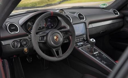 2020 Porsche 718 Cayman GT4 (Color: Carrara White Metallic) Interior Wallpapers 450x275 (159)