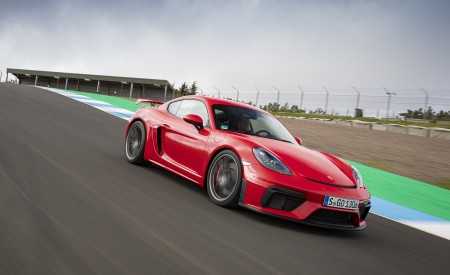 2020 Porsche 718 Cayman GT4 (Color: Guards Red) Front Three-Quarter Wallpapers 450x275 (18)