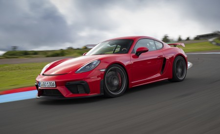 2020 Porsche 718 Cayman GT4 (Color: Guards Red) Front Three-Quarter Wallpapers 450x275 (19)