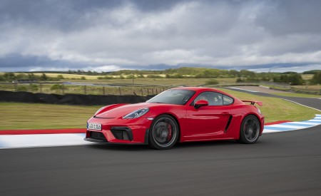 2020 Porsche 718 Cayman GT4 (Color: Guards Red) Front Three-Quarter Wallpapers 450x275 (21)