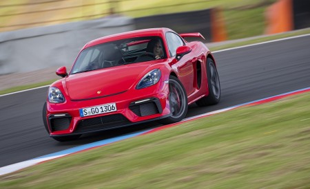 2020 Porsche 718 Cayman GT4 (Color: Guards Red) Front Wallpapers 450x275 (4)